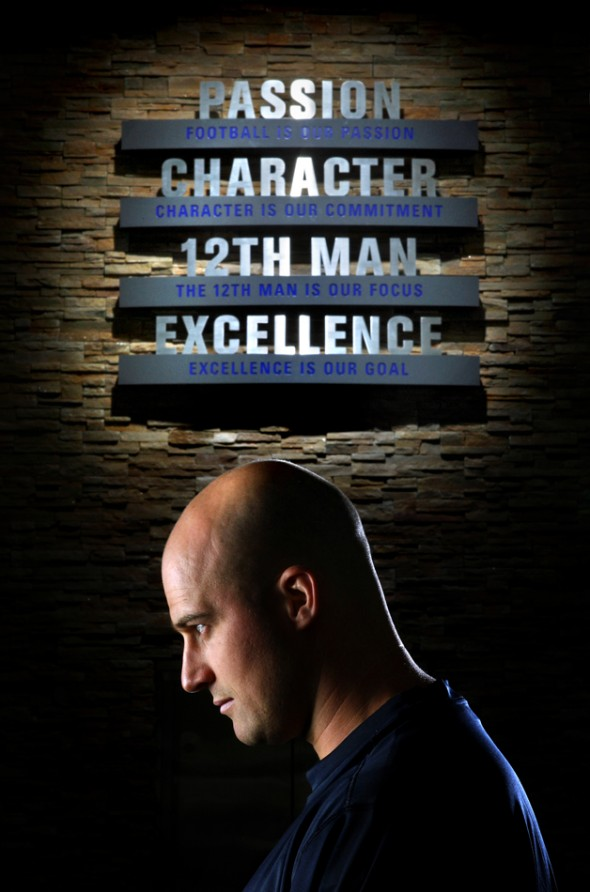 2003 P-I Sports Star of the Year Seahawks quarterback Matt Hasselbeck is shown with the team mission statement at the Virginia Mason Athletics Center. (Andy Rogers/Seattle Post-Intelligencer)