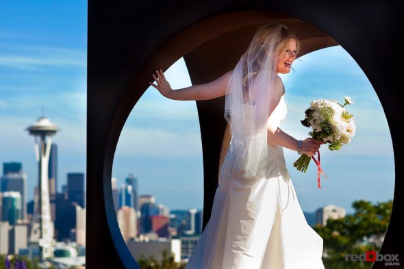 The bride at Kerry Park before her wedding at The Hall at Fauntleroy in Seattle, Washington. (Wedding Photographer Scott Eklund Red Box Pictures Seattle)