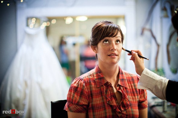 Suzy gets ready for her wedding to Michael at Kiana Lodge in Poulsbo, WA. (Photo by Dan DeLong/Red Box Pictures)