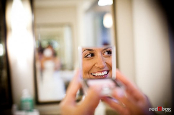 Nadine gets ready for her wedding to Brian in the beautiful facilities at the Plateau Club in Sammamish, WA. (Photo by Dan DeLong/Red Box Pictures)
