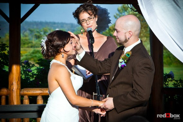 Liz and Ted are married during an outdoor ceremony Hidden Meadows in Snohomish, WA. (Photo by Dan DeLong/Red Box Pictures)