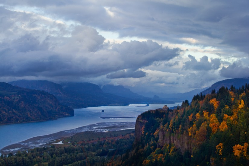 Nature - Columbia River (Photography by Rob Sumner / Red Box Pic