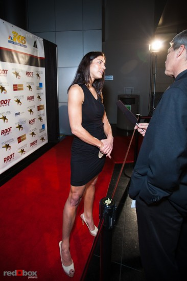 hope-solo-red-carpet-full-body.jpg