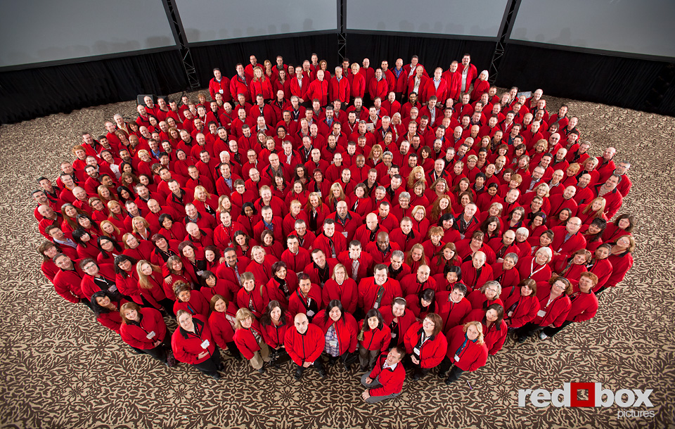 Large group photo at corporate event. Photography by Red Box Pictures