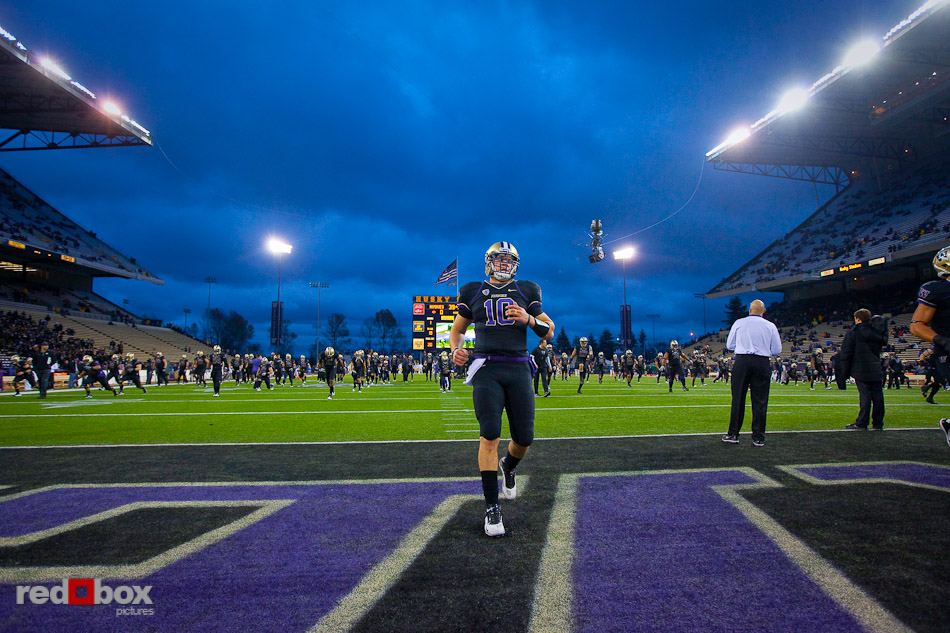 Jake Locker warms up prior to the UCLA game at Husky Stadium on Thursday November 18, 2010. (Photography By Scott Eklund/Red Box Pictures)